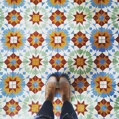 Check out this amazing tile : todays Moroccan vibes. Blue heaven Moroccan orange keep tagging by feetmeetfloors Ceramic Floor Tiles, Mosaic Tiles, Cement Tiles, Floor Patterns, Tile Patterns, Fabric Design, Pattern Design, Laundry Room Tile, Chinese Element