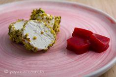 formaggio caprino con pistacchi e gelatina di lamponi piccante