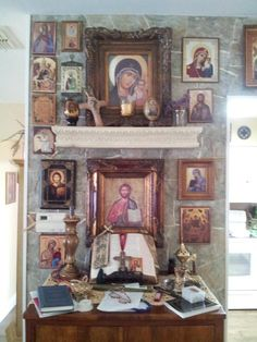 Icon corner of my friend, Patti S.--Thanks for sharing this. Very beautiful and reverent use of holy images. Orthodox Prayers, Orthodox Christianity, Catholic Altar, Prayer Corner, Home Altar, Russian Icons, Home Icon, Religious Icons, Orthodox Icons