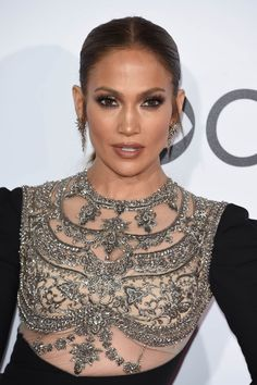 Jennifer Lopez in Reem Acra at 2017 Peoples Choice Awards in Los Angeles