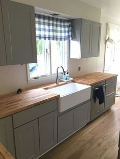 In this pin you will see super kitchen cabinet ideas and examples Kitchen And Bath, New Kitchen, Kitchen Decor, Kitchen Ideas, Awesome Kitchen, Kitchen Designs, Rustic Kitchen, Kitchen Layout, Kitchen Interior