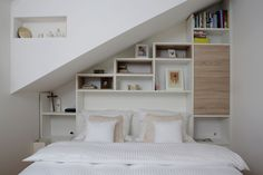cozy and simple bedroom, natural color