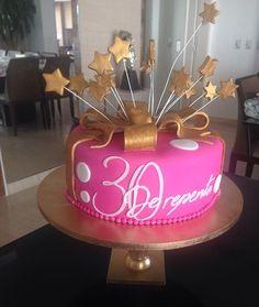 #fetelafiesta #bolomulher #bolo30anos #bolo30 #bolodecorado #bolorosa #boloderepente30
