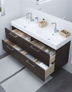 Un meuble lavabo double vasques