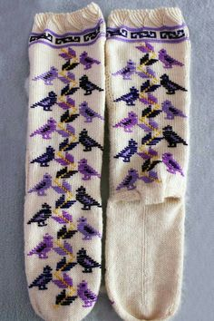This Pin was discovered by hav Fair Isle Knitting, Cool Socks, Diy And Crafts, Booty, Embroidery, Crochet, Handmade, Tejidos, Socks