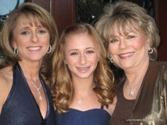 makeup for a Bat Mitzvah, Bat Mitzvah makeup for the whole family, makeup by Lisa Horwitz for The Blushing Bride Cosmetics