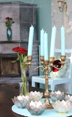 Loving the shades of turquoise and aqua in my livingroom.