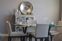 Standards of Choosing Dining Table and Chairs: Dining rooms have the same importance as living rooms when it comes to interior design since both of them serves the visitors, so it should be designed in an attractive way that is in a harmony with the house style.