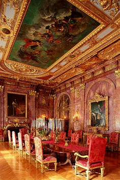 Paintings of the French kings Alva Vanderbilt admired - the grand dining room of Marble House (Photo: The Preservation Society of Newport County via Discover Newport) #newport #rhodeisland