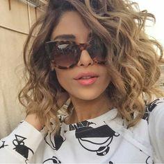 Dream Closet / 2016 Ray Ban Sunglasses , pretty and cool. Curly Hair Cuts, Short Curly Hair, Wavy Hair, Curly Hair Styles, Permed Hairstyles, Cool Hairstyles, Light Purple Hair, Hair Dos, Medium Hair Styles