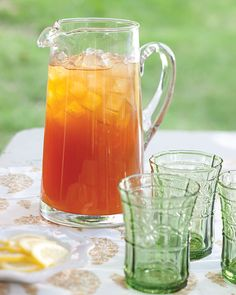 Get the recipe for Arnold Palmers, a Southern classic, from Southern Lady Magazine. Tea Recipes, Smoothie Recipes, Cooking Recipes, Smoothies, Summer Cocktails, Cocktail Drinks, Party Drinks, Arnold Palmer Drink, Iced Tea Lemonade