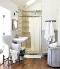 modern cottage bathroom--ceramic tile with dark grout, painted wainscotting, wood floor. I would only ask for more storage/ getting ready space. Bad Inspiration, Bathroom Design Inspiration, Modern Bathroom Design, Bathroom Designs, Bathroom Ideas, Design Ideas, Bathroom Photos, Bathroom Layout, Bathroom Colors