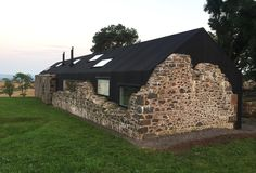 A modern house in Scotland uses the ruins of its predecessor If you want to build a house on a plot of land that still contains the remains of an old building, then you tear the ruins of normal … – Architecture Designs – Ung Architecture Design, Architecture Renovation, Residential Architecture, Architecture Windows, Adaptive Reuse, Stone Houses, Exterior Design, Future House, Building A House