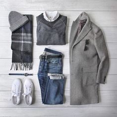 How To Wear Belts - Me and My Sneakers : Photo - Discover how to make the belt the ideal complement to enhance your figure. Smart Casual, Casual Looks, Men Casual, Komplette Outfits, Casual Outfits, Fashion Outfits, Fashion Trends, Mode Masculine, Look Fashion