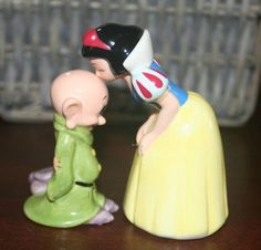Retro Snow White and Dopey Salt & Pepper shakers #etsy