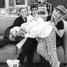 bonnie j wallace: Sweet moment caught truly Cast mates by chance, family by choice ❤❤❤ Liv Rooney, Big Bang Theory Quotes, Bridget Satterlee, Blonde Actresses, Thomas Doherty, Cali Style, Disney Channel Stars, Sofia Carson, Dove Cameron