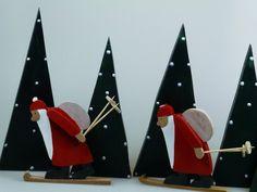 *Vollgepackt machen sie sich auf den Weg!!!* Liebevoll gestalteter Nikolaus auf Ski. Der Preis bezieht sich auf einen Nikolaus.