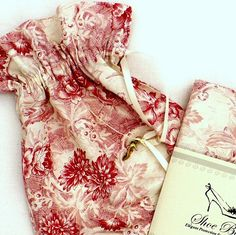 Toile shoe bag