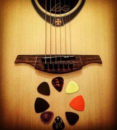 Lag acoustic guitar  and penã