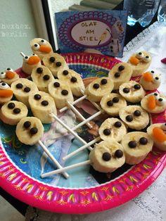 Ich habe es ja im September-Best-Of schon angekündigt: die Dame des Hauses hat sich zur Feier ihres 5. Geburtstages eine Eiskönigin-Party ge...