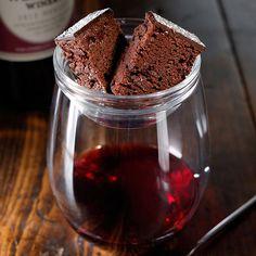 「ブリス チョコレート ケーキ オン レッド」1100円