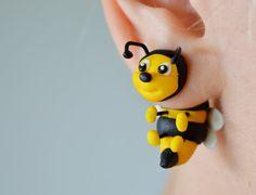 Bees earrings bee two part stud post insect von JEWELRYandPLEASURE