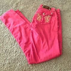 Miss Me purple skinny jeans 26 Very cute little jeans, Miss Me authentic!! Excellent condition. Size 26 skinny Miss Me Jeans Skinny