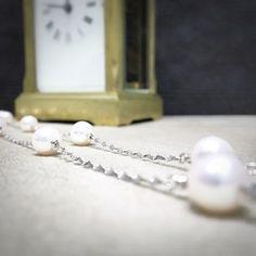 珍珠如同一生珍寶般 隨著我們的在社會上的成長淬煉下 蛻變出獨有色澤  全店持續火熱折扣中 紅標50%黃標40%藍色30%