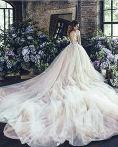 Lost in all the tulle flowing from this gorgeous wedding dress by Kates Official bridal fashion Dream Wedding Dresses, Bridal Dresses, Wedding Gowns, Flowing Wedding Dresses, 2017 Wedding, Wedding Bride, Bridesmaid Dresses, Trendy Dresses, Nice Dresses