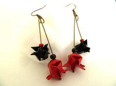Hey, j'ai trouvé ce super article sur Etsy, chez https://www.etsy.com/fr/listing/218602929/boucles-doreille-origami-fleur-de-lothus