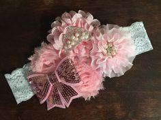 Rosa Shabby Chic diadema diadema de la Couture por ThreeDoesBows