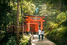 ️Une très belle année à tous !  Akemashite omedetô gozaimasu !  明けましておめでとうございます。 L'équipe de Japan Travel Centre France par Voyages à la Carte / ボヤージュ・アラカルト (Voyages à la Carte) vous présente leurs meilleurs voeux pour l'année 2018. Puisse-t-elle être riche de nouvelles aventures !   https://www.japantravel-centre.com/fr/  Photo de notre staff Alice au sanctuaire Fushimi Inari, Kyoto.  #Japon #Voyage #Kyoto #Agencevoyage