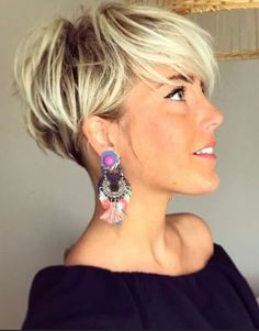 26 Pixie Hairstyles Don't Care About Your Hair Short Pixie Haircuts for Thick Hair - Get Your Inspiration for 2019 - Short Pixie Latest Pixie Cuts for Round Face You'll Love for Summer 2019 - Short Pixie CutsBest Short Haircuts trends and Pixie Haircut For Thick Hair, Short Hairstyles For Thick Hair, Short Pixie Haircuts, Curly Hair Cuts, Curly Hair Styles, Bob Hairstyles, Bob Haircuts, Pixie To Bob, Long Pixie Cut With Bangs