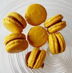 Slik lykkes du med makroner - trinn for trinn - Franciskas Vakre Verden Norwegian Food, Pretzel Bites, Food And Drink, Tasty, Bread, Cookies, Desserts, Recipes, Caramel