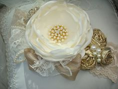 Heart of Gold Ivory Flower Headband with Handmade Gold Rosettes, Baby Headband, Photo Prop, Christmas Headband, Lace Headband, Headband