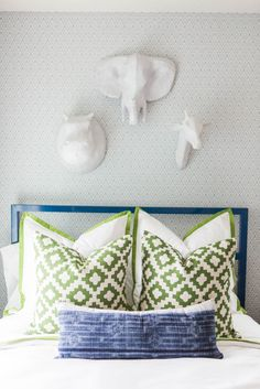 We could honestly spend a whole week diving into this home's many incredible corners. Instead, we're settling on two days. From the tippy top of that acrylic and gold chandelier to the pastel ginger jars displayed front and center on the dining Color Of The Year 2017 Pantone, Pantone Color, Kids Bedroom, Bedroom Decor, Kids Rooms, Bedroom Ideas, Bedroom Makeovers, Teen Bedrooms, Boy Rooms