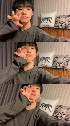 Seungkwan, Mingyu, Joshua Hong, Hoshi Seventeen, Seventeen Wallpapers, Korean Artist, Getting Bored, Kpop Boy, Aesthetic Anime