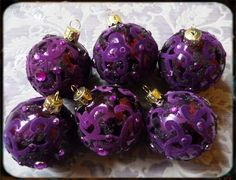 Gothic Christmas balls! Love them!