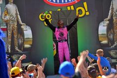 Antron Brown and Team are Crowned the 2015 NHRA T/F Mello Yellow Drag Racing series    Champions At the 2015 Fall Las Vegas Strip race in the Brest cancer awareness Matco Tools Nitro Dragster