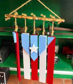 Nifty Crafts, Crafts To Sell, Diy And Crafts, Puerto Rico, Taino Symbols, Puerto Rican Flag, Latino Art, Puerto Rican Culture, Entryway Wall