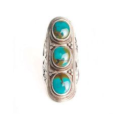 Soixante Neuf Turquoise Tri-Stone Shield Ring in Sterling Silver (1.970 DKK) ❤ liked on Polyvore featuring jewelry, rings, accessories, sterling silver, sterling silver jewelry, sterling silver stone rings, turquoise ring, red ring and sterling silver turquoise jewelry