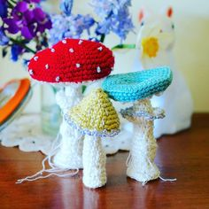 There were three considerations I wanted to incorporate into my design for @amandabloom2298 . They had to be able to stand, have gills and be based upon a real toadstool.  #greedyforcolour #crochet #craft #amandabloomslittleboxofcrochet #littleboxofcrochet
