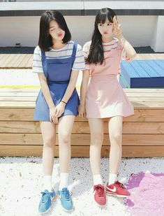Matching Outfits Best Friend, Best Friend Outfits, Couple Outfits, Twin Outfits, Ulzzang Korean Girl, Cute Korean Girl, Asian Girl, Korean Girl Fashion, Ulzzang Fashion