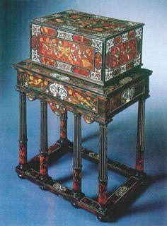 Table et coffret de Pierre Gole, musée du Louvre, Paris