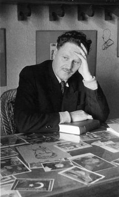 The poems of Nazım Hikmet - Liesel Palitzsch - Harry Potter Fun Facts, Word Sentences, Marianne Williamson, Writers And Poets, Art Activities For Kids, Playwright, Classic Books, Classic Book Quotes, King Art