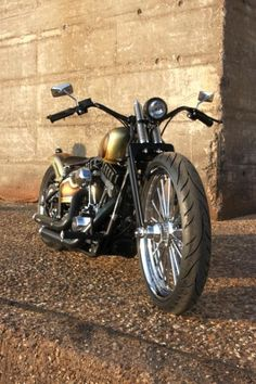 Harley-Davidson Custom Chrome Blackline
