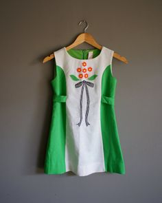 Vintage 70s GIRL Flower Boquet GREEN Dress by heightofvintage