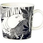 Moomin arabia mug- muumi unelmoi Moomin Mugs, Coffee Cups, Tea Cups, Enchanted Doll, Tove Jansson, Marimekko, Clay Creations, Ancient Art, Finland