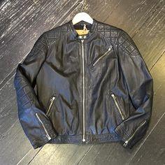 #Biker944 #Goosecraft #men #leatherjacket #jeansenlifestyle #houten vanaf morgen in #tiel