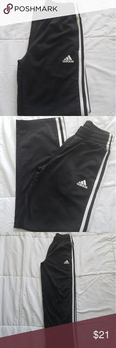 "Youth Adidas Jogger Gently pre worn youth Adidas jogger pants. No stains, snags or tears. Pants have only been worn twice. 25"" inseam 100% Polyester. Unisex Medium 10/12 adidas Bottoms Sweatpants & Joggers"